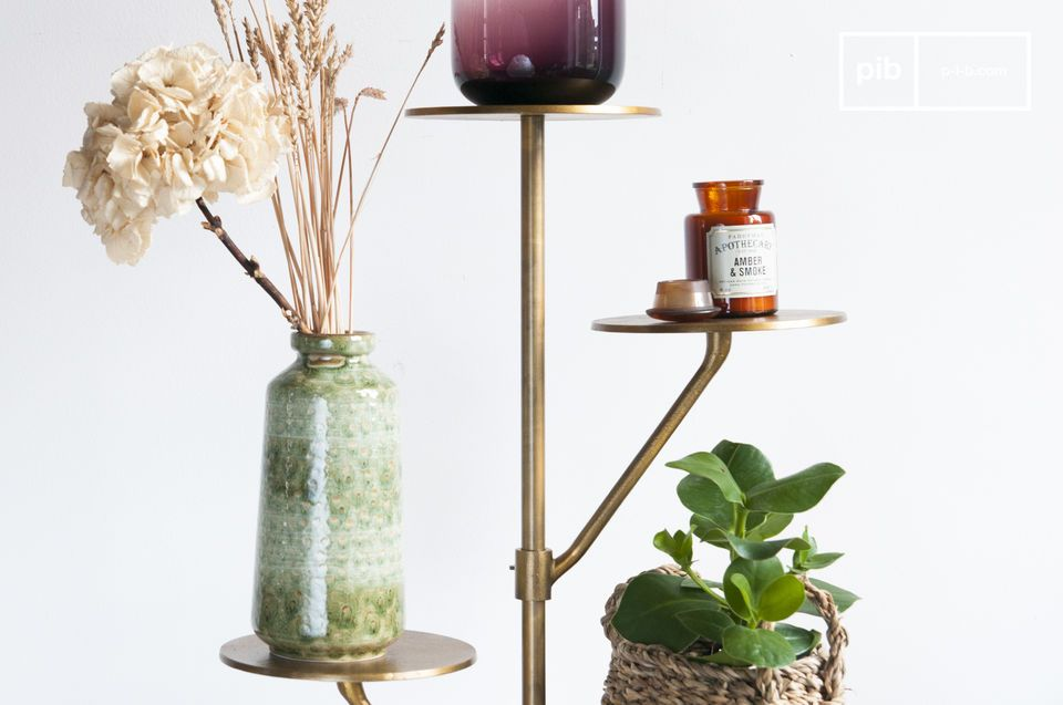 Ideale per piante in un salotto, o borse e cappelli in un ingresso