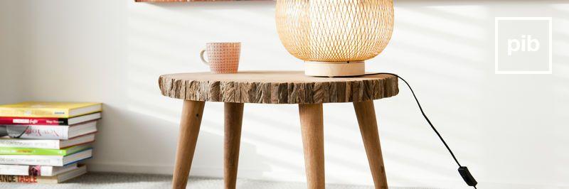 Tavolini da salotto shabby classici, presto di nuovo in collezione