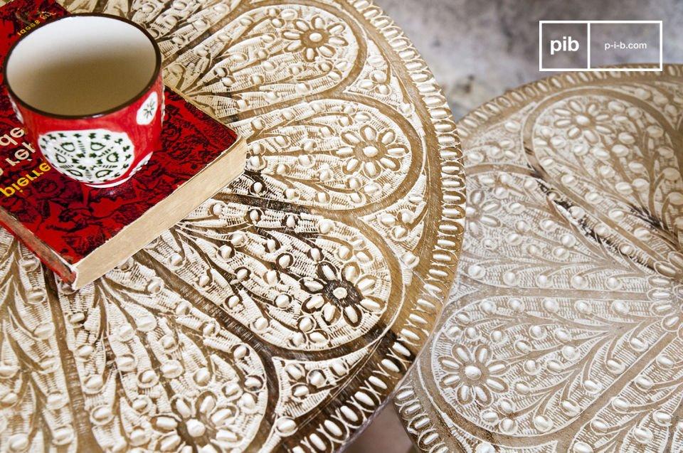 Una coppia di tavolini per un tocco romantico e trendy