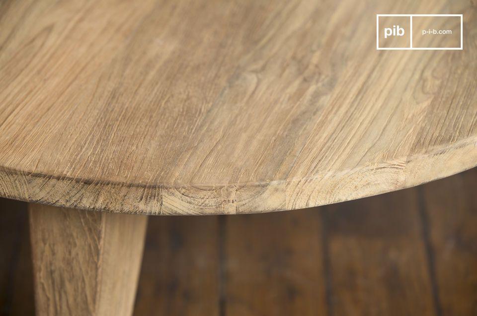 L'leganza nordica del legno teak al naturale