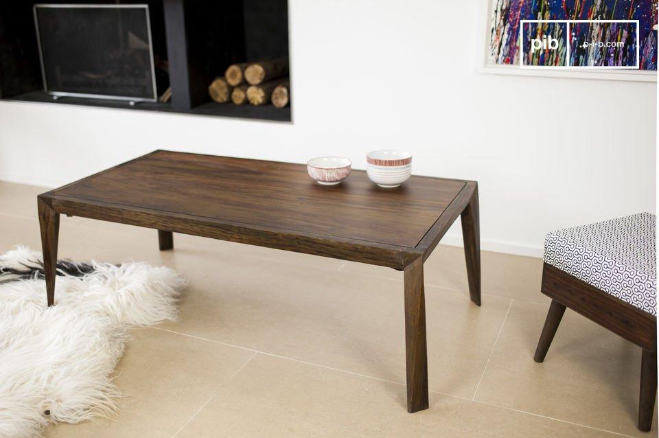 Il tavolino da salotto Kitell è uno stupendo pezzo di arredamento che porterà un\'ondata di