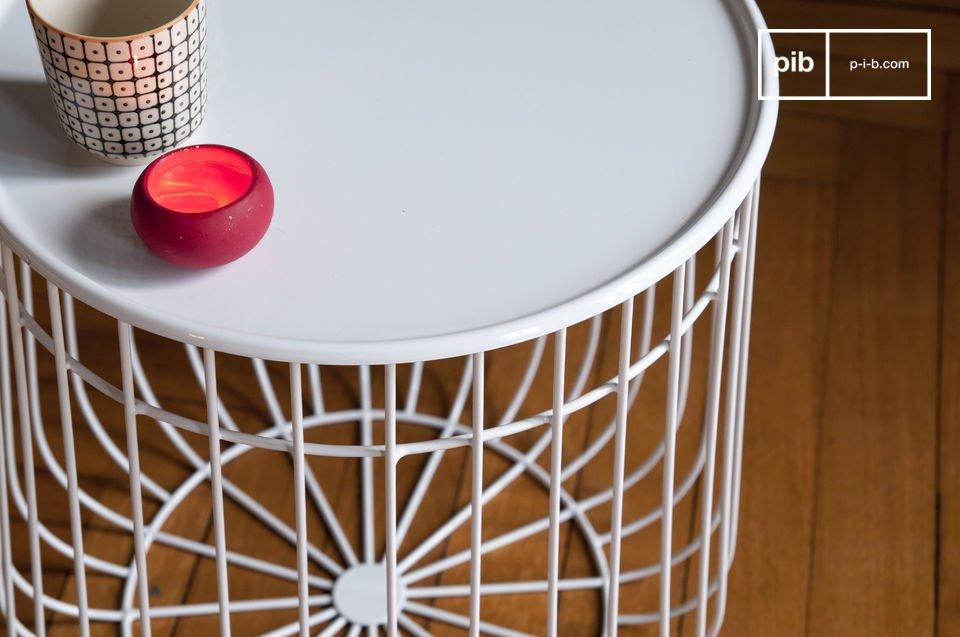 Il tavolino tavolino Maitär è un bellissimo oggetto di design che oltre alla raffinata estetica è