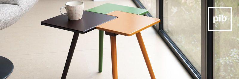 Tavolino moderno scandinavo, presto di nuovo in collezione