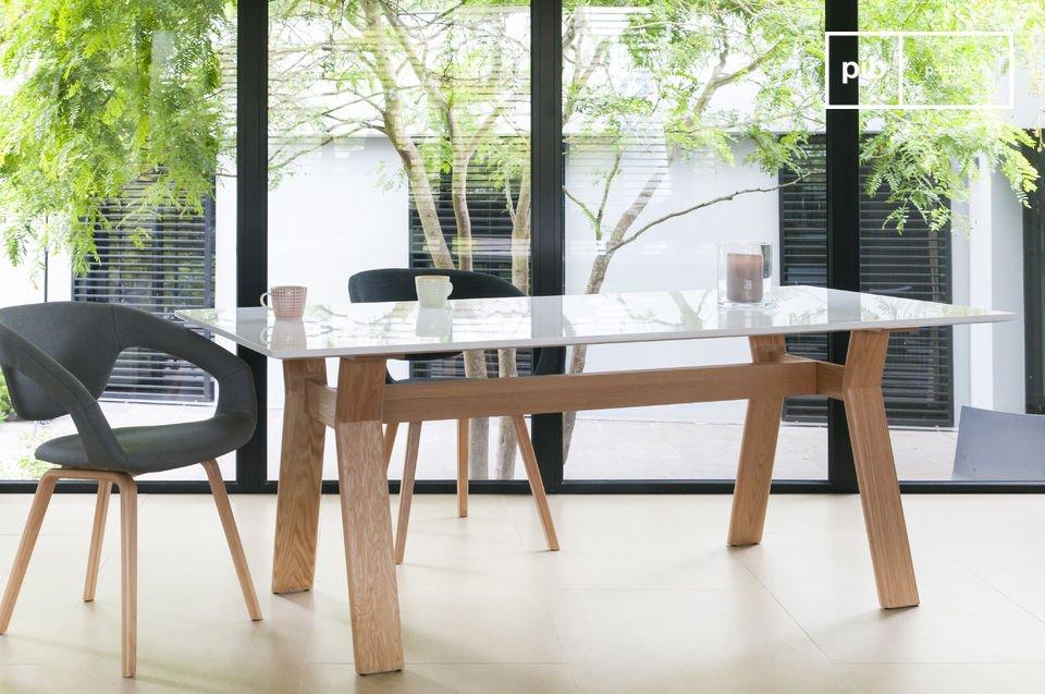 Adorerai questo tavolo ogni giorno per la sua bellezza e la sua praticità