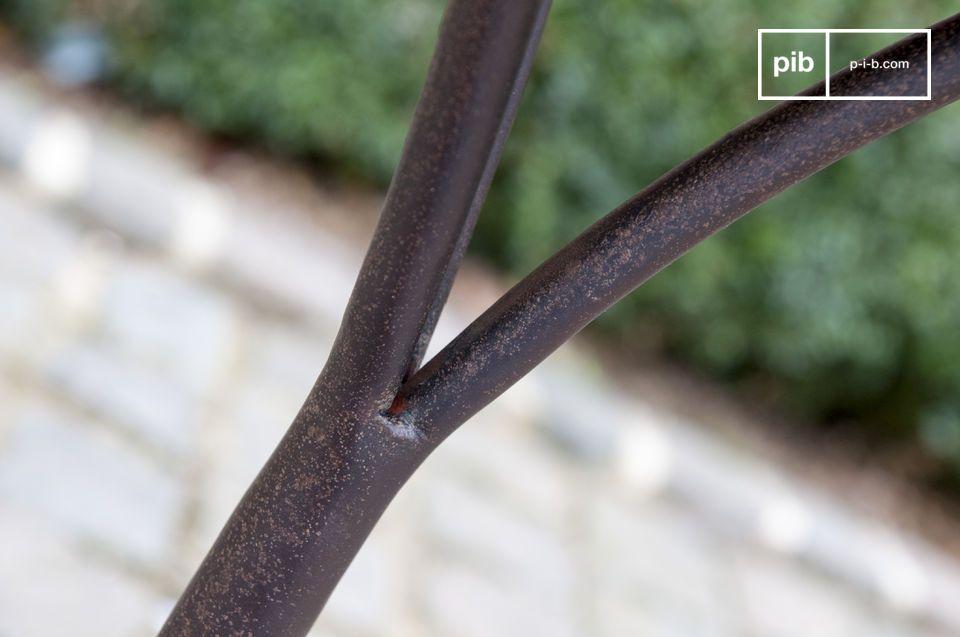 La scelta di questi metalli offre a questo prodotto una grande resistenza all\'usura