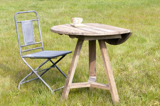 Tavolo con bordi richiudibili in legno di olmo
