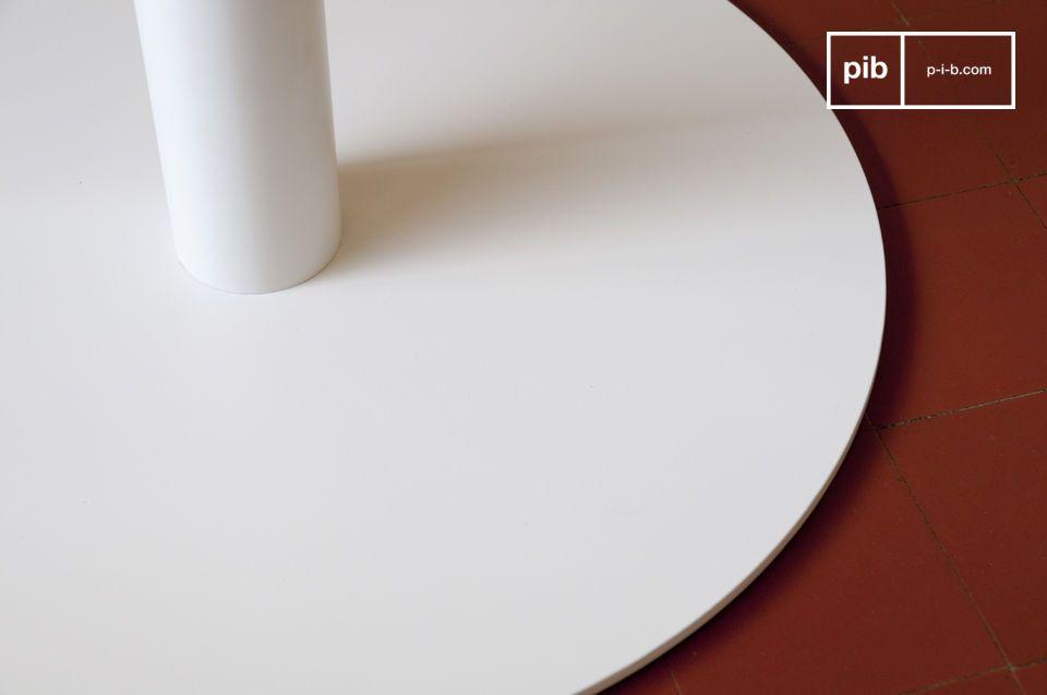 Tavolo o piedistallo, elegante linea vintage e stile molto raffinato