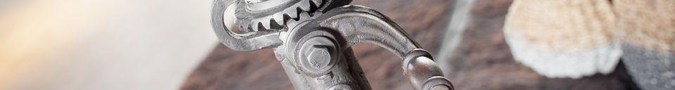Materiali prima di tutto Tavolo da bistrò regolabile in teak Salvage