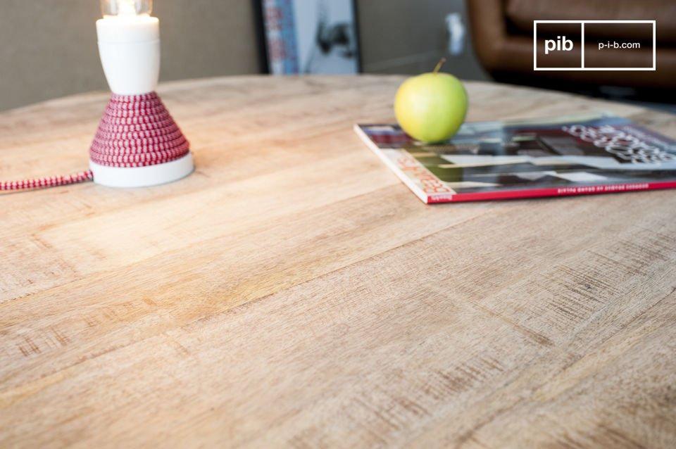 Il tavolo da caffè Myrte combina la bellezza e la leggerezza del legno con la finezza della base