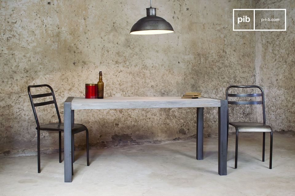 Tavolo da pranzo in teak riciclato