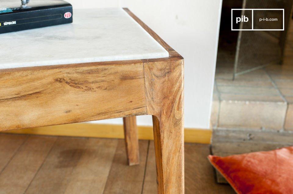 Amerete il tavolo da appoggio quadrato Marmori per la sua estetica visibilmente rifinita