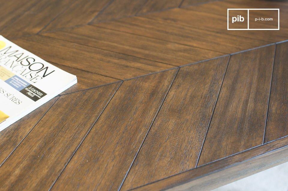 Le venature del legno di acacia sono molto scure e contribuiscono allo spirito atemporale del tavolo
