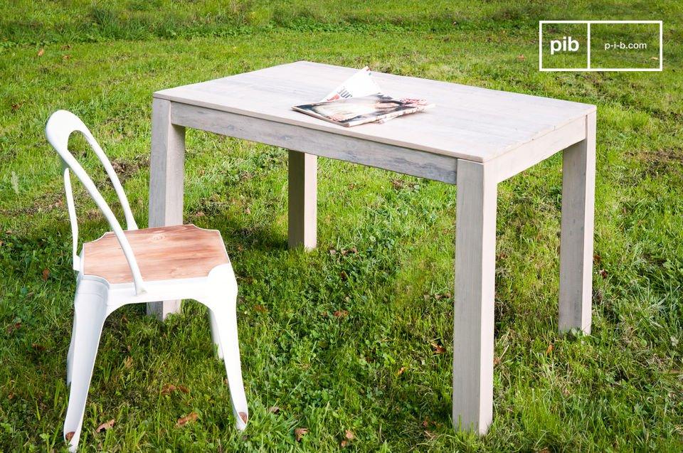 Da usare come scrivania o tavolo da pranzo