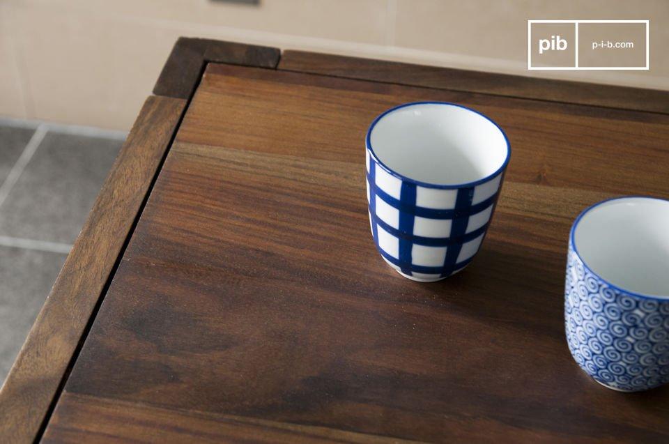 Il tavolo Kitell è un mobile che porterà un discreto tocco di eleganza nella tua sala da pranzo