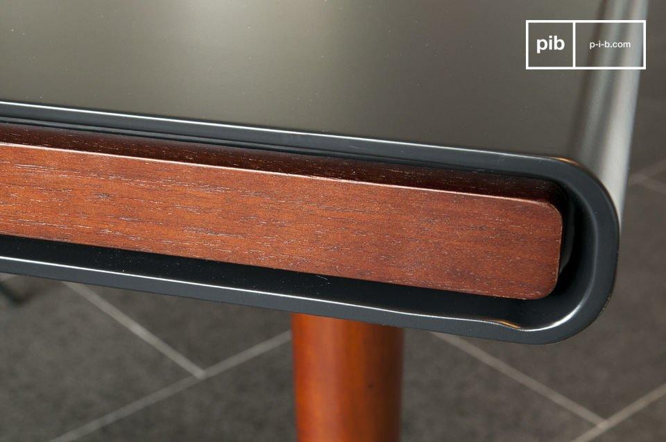 Il tavolo Norby è un classico esempio di mobile in legno in stile Scandinavo