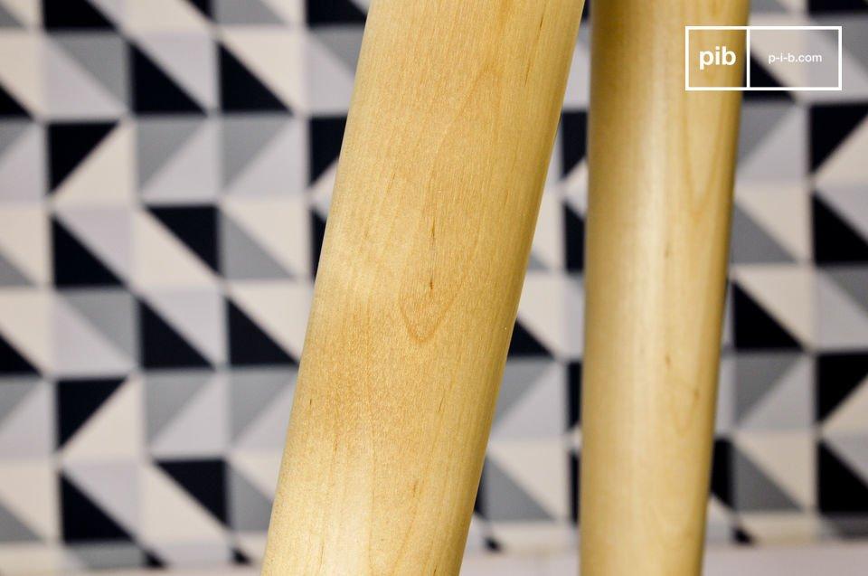 Lo stile Nordico del tavolo occasionale vintage Beel starà benissimo accanto o ai piedi al tuo