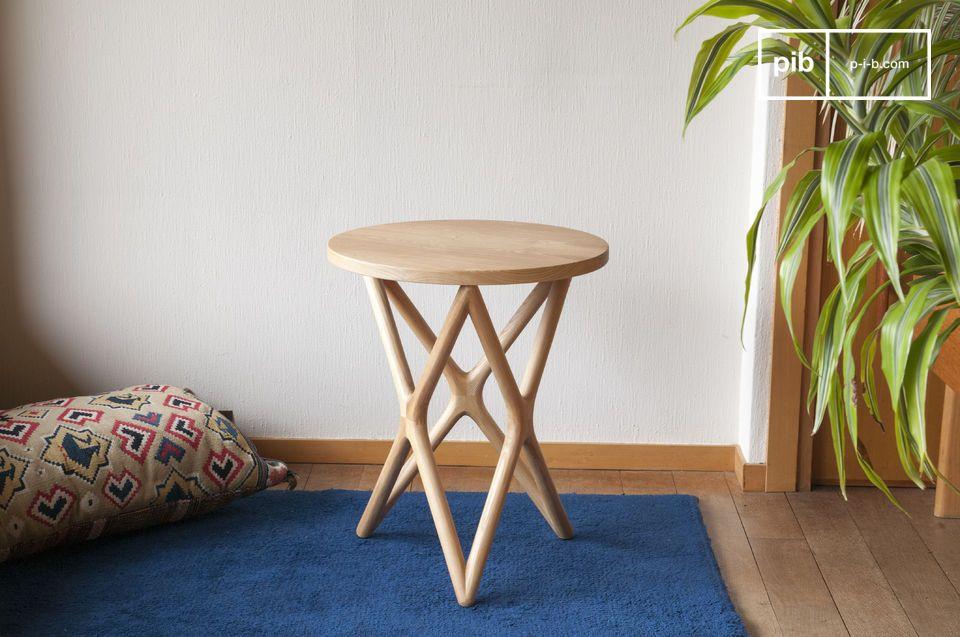 L'eleganza del design scandinavo vintage per un tavolo tutto in legno