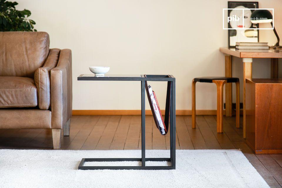 Tavolo da riviste in pelle ed elegante marmo nero