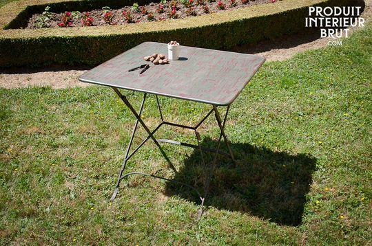Tavolo pieghevole in stile vintage