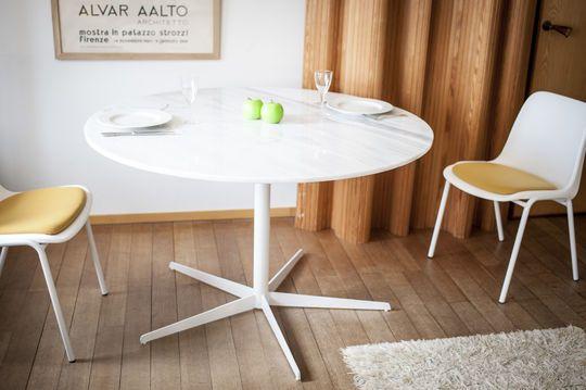 Tavolo rotondo in marmo bianco Lemvig