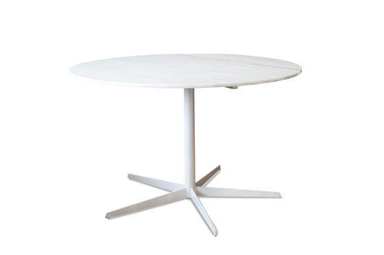 Tavolo rotondo in marmo bianco Lemvig Foto ritagliata