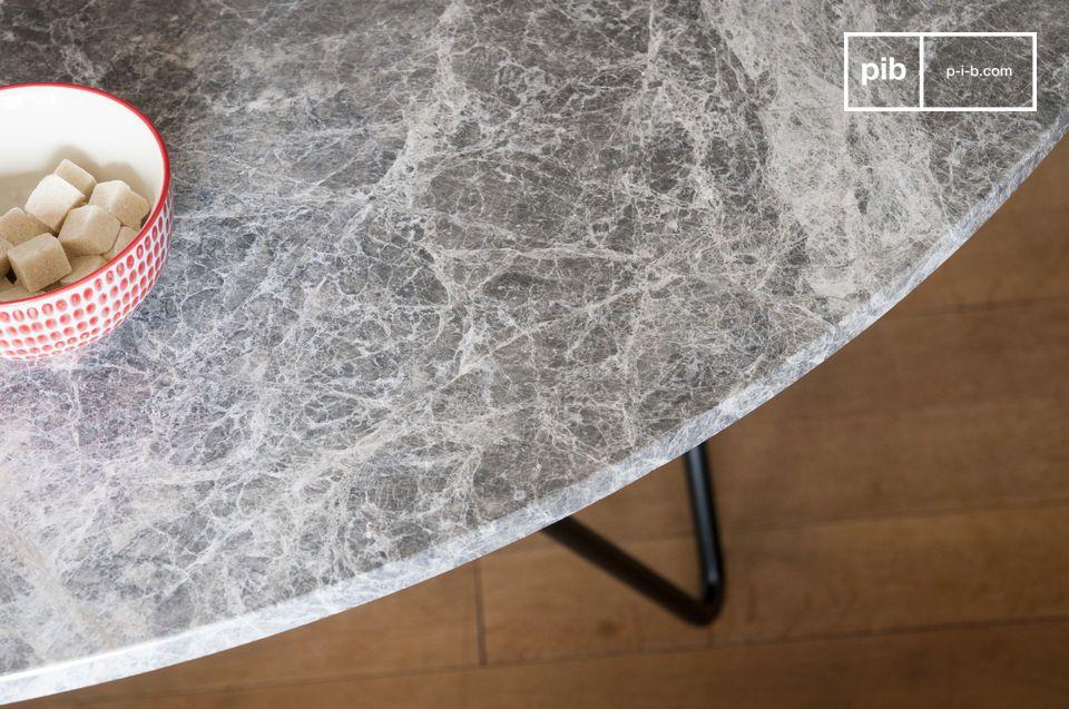 Il tavolo in marmo Grimaud