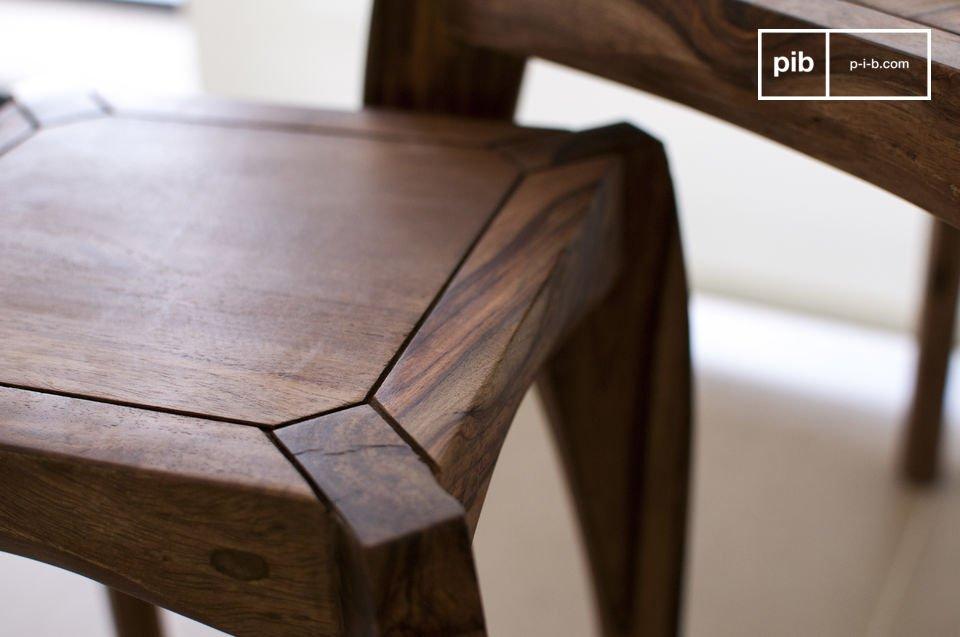 Tre tavoli diversi da sistemare in parti differenti della stanza o da raggruppare