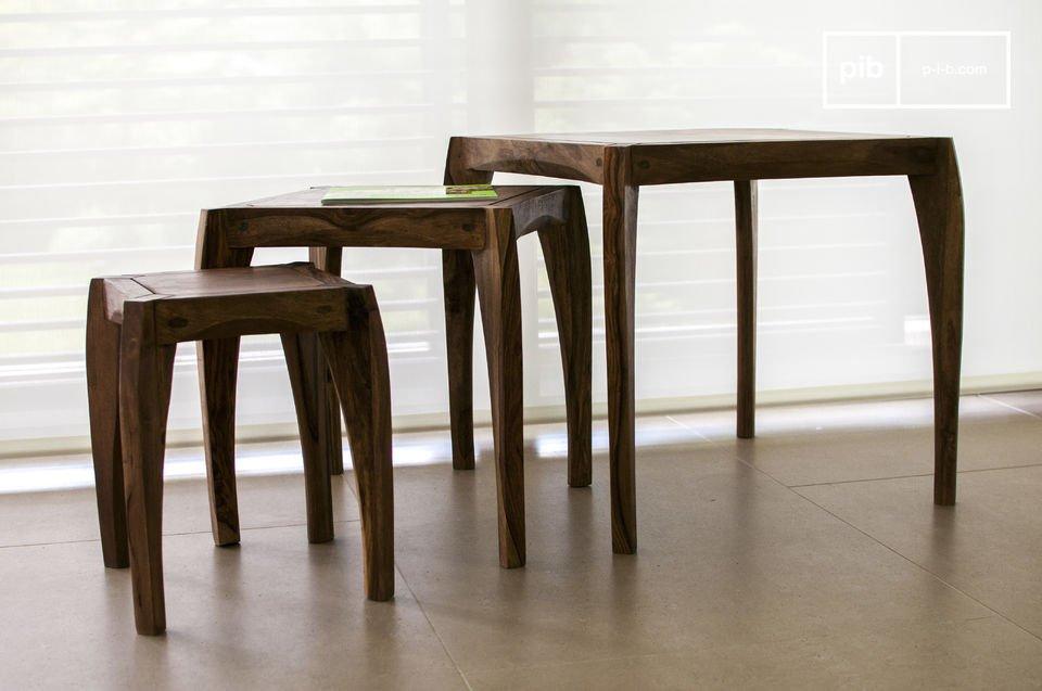 Goditi la cura nei particolari riservata a questi tre tavolini vintage