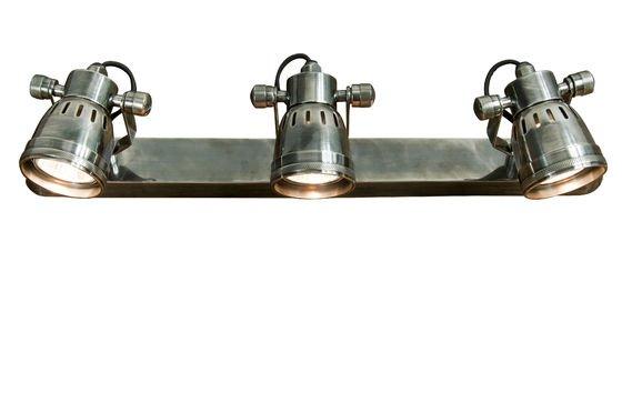 Tripla Lampada da parete Bistrò Foto ritagliata