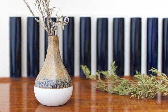 Vaso a stelo in ceramica Nyhem