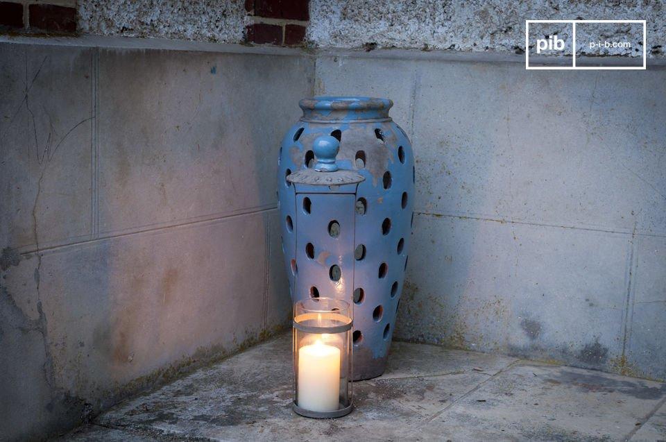 Il vaso lanterna Ilbarritz in terracotta