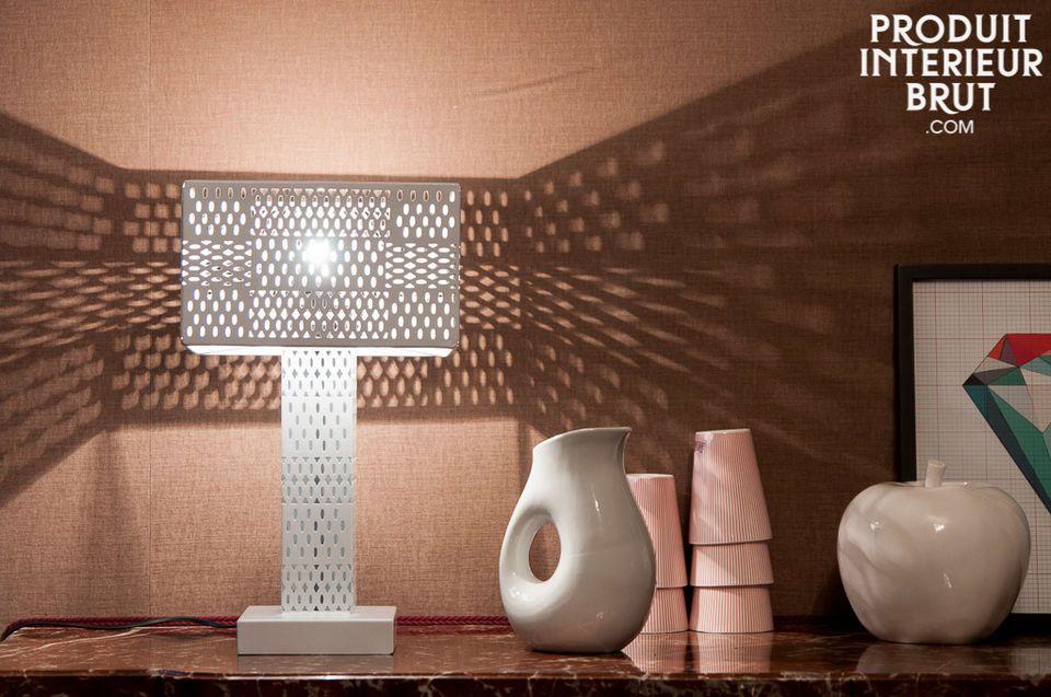 Il vaso Orko è un piccolo accessorio decorativo che salta subito all\'occhio per le forme rotonde e