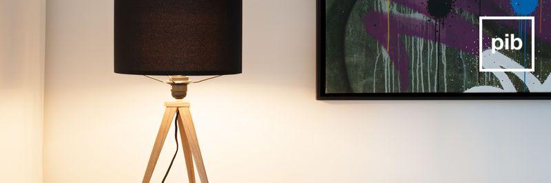 Vecchia collezione di lampade da scrivania