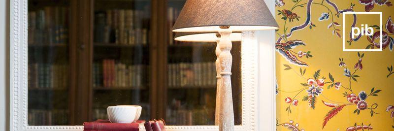 Vecchia collezione di lampade da tavolo classiche shabby