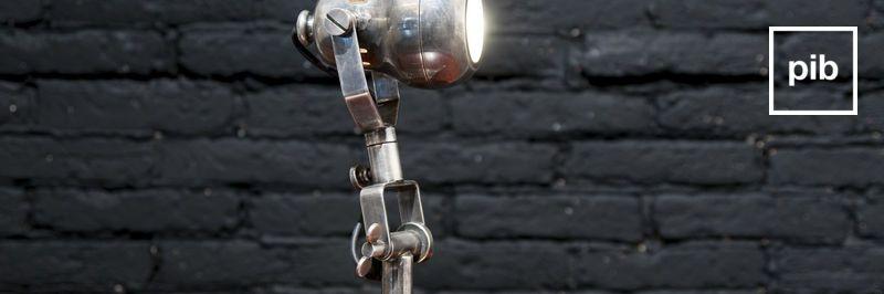 Vecchia collezione di lampade da tavolo design industriale