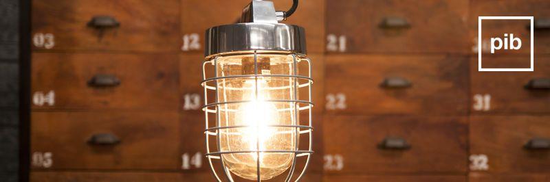 Vecchia collezione di lampade