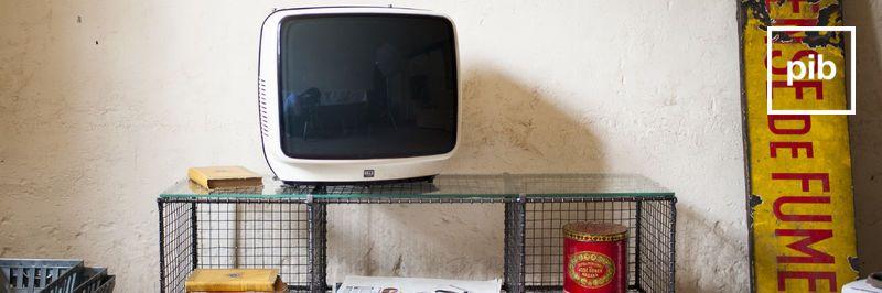 Vecchia collezione di mobile tv shabby chic